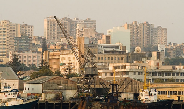 Maputo harbour, Source: Julien Lagarde via Wikimedia Common