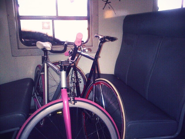 pinkbikemetrorail.jpeg_effected