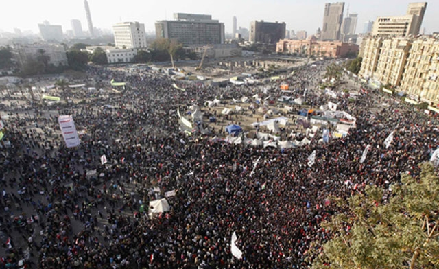 Protesters opposing Egyptian President Mohammed Mursi demonstrate at Tahrir Square in Cairo January 25, 2013. (Reuters)