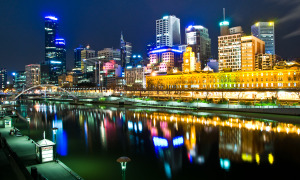 Melbourne,_Australia_by_night