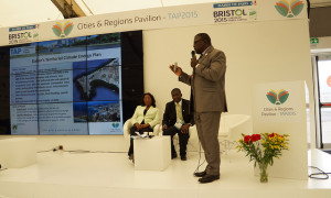 Antoine Faye presenting Dakar's Integrated Climate Plan (PCTI) at the Cities & Regions Pavilio at COP21